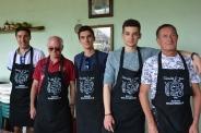 Etienne, Thierry, Jean-Baptiste, Adrien et Albert à l'atelier de fabrication de chocolat
