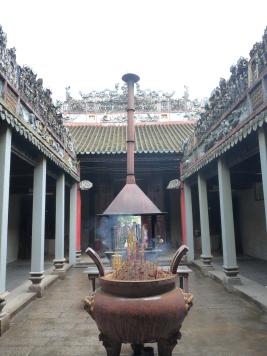 temple et encens