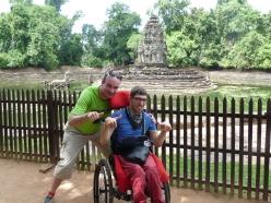 Xavier et Fabien au milieu des temples khmer