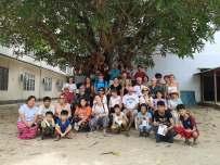 photo de groupe à l'école d'enfants sourds